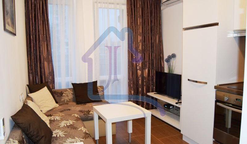 Двустаен луксозен апартамент под наем, кв. Левски