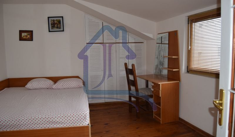 Двустаен апартамент под НАЕМ, Гръцка махала