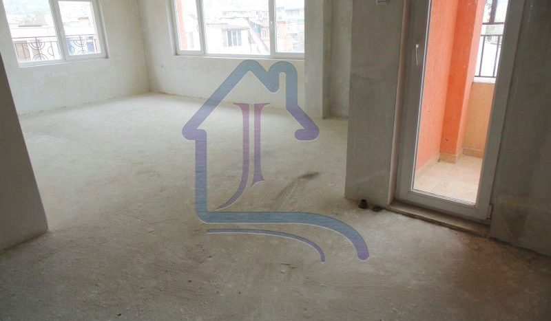 Тристаен апартамент за продажба, нова тухла, Базар Левски