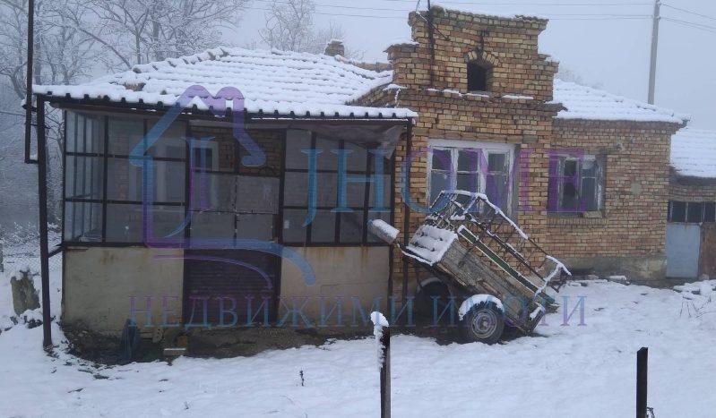 Къща за продажба в с. Искър
