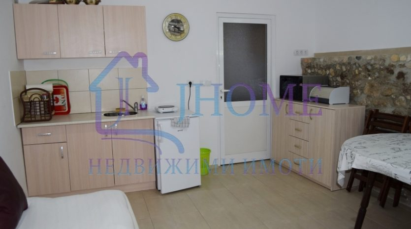 One bedroom apartment for rent, 5 min to Medical uni