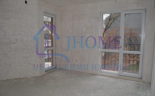 Тристаен апартамент за продажба, нова тухла, Операта