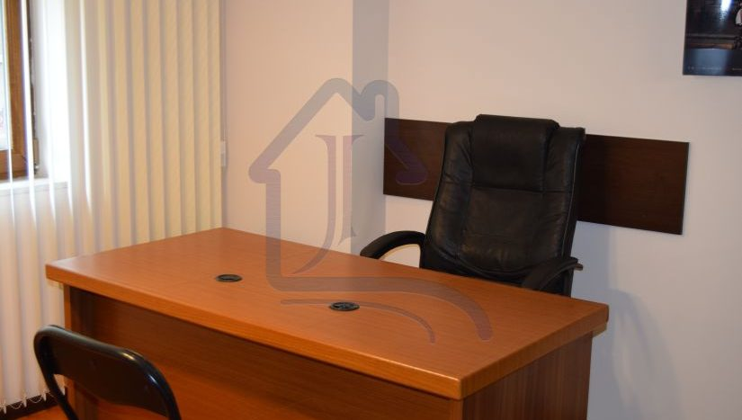 Excellent office in the region of Regional Hospital