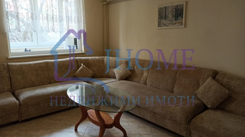 Spacious 2 bedrooms apartment, Perfect center