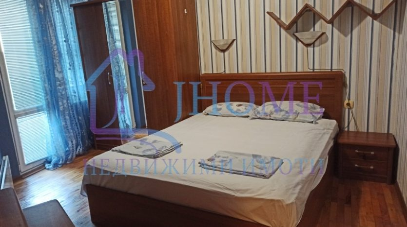 2 bedrooms apartment, close to the Theater and Cathedral